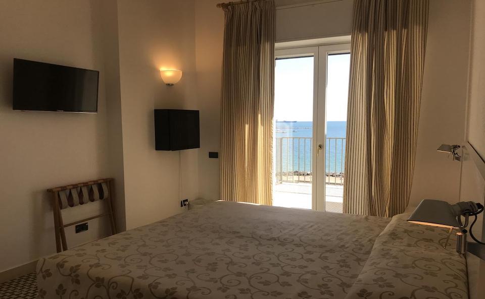 hotel venere azzurra lerici camera