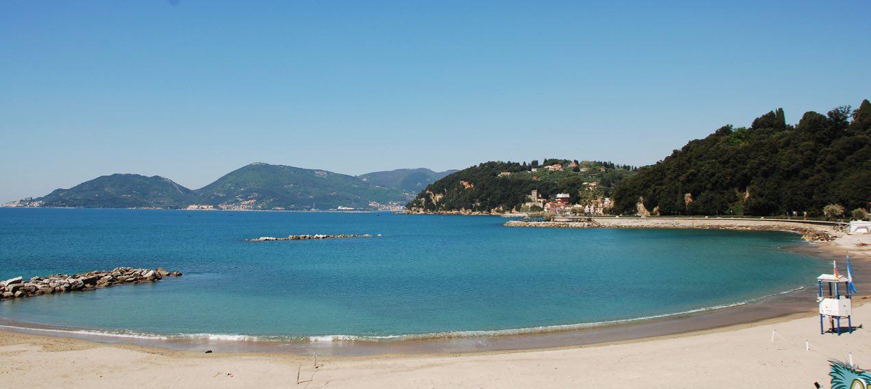 venere azzurra spiaggia lerici